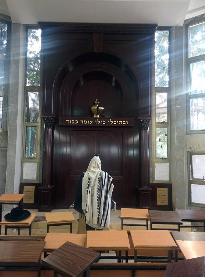Elad Central Synagogue - Gabriel - Wood